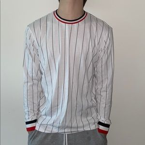White and black stripes long sleeve tee